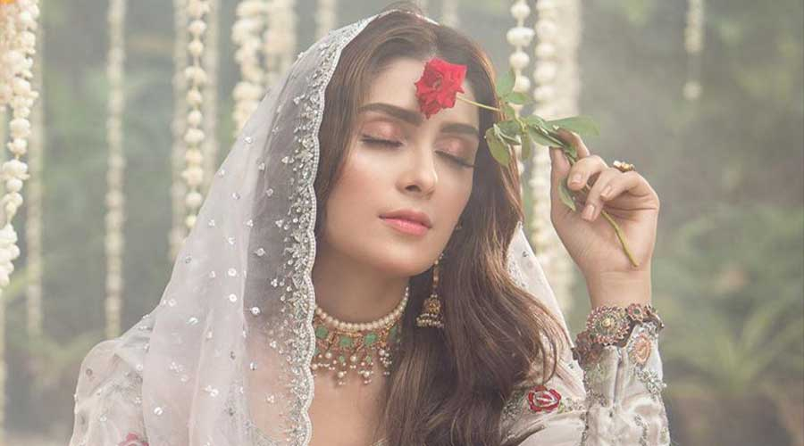 Ayeza Khan million Instagram