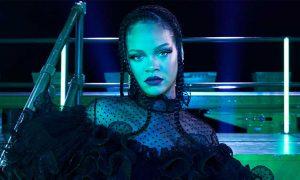 Rihanna apologizes