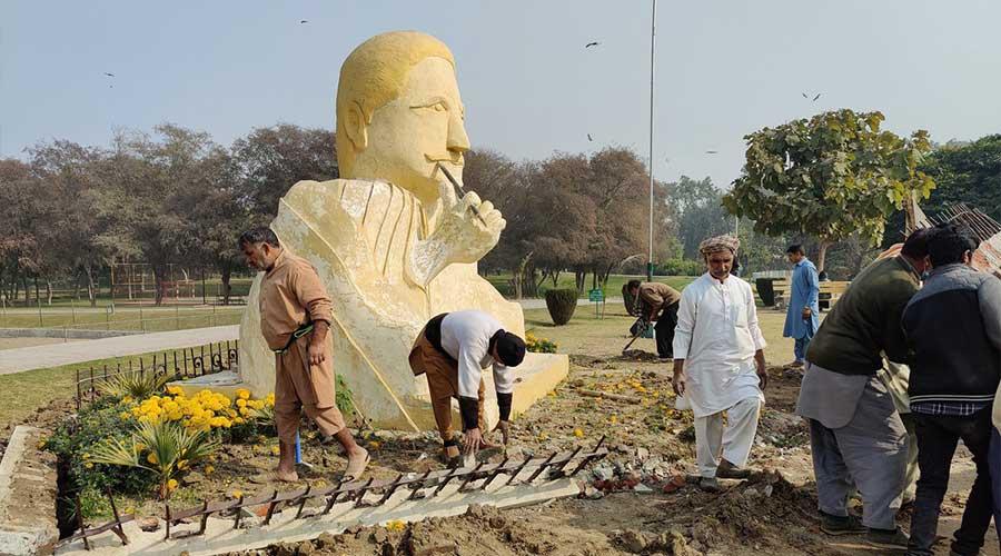 Allama Iqbal sculpture